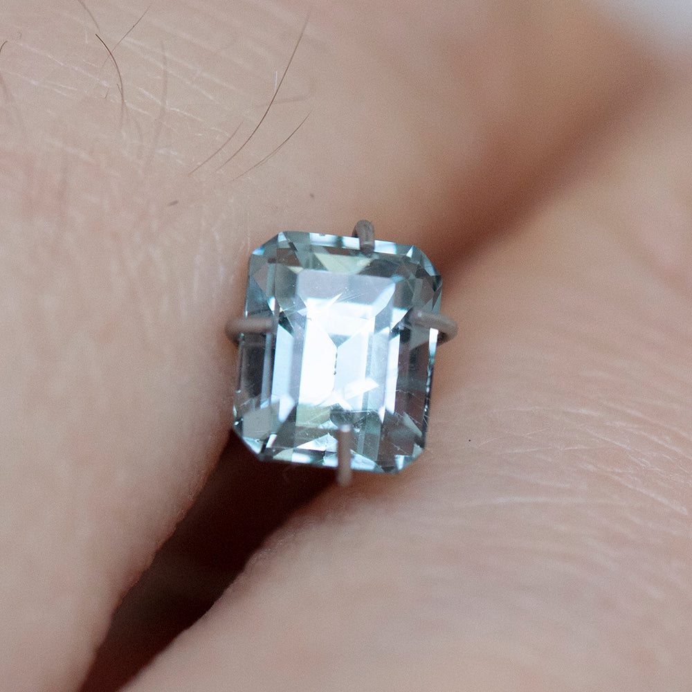 1.14CT EMERALD CUT MONTANA SAPPHIRE, LIGHT SKY BLUE, UNHEATED, 5.5X4.5MM