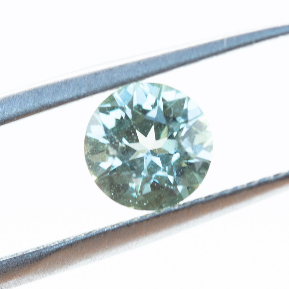 1.18CT ROUND MADAGASCAR SAPPHIRE, LIGHT SILVERY GREEN GREY, UNHEATED, 6.5MM