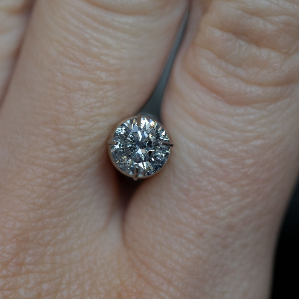 1.19CT ROUND SALT AND PEPPER DIAMOND, SILVER GLITTER, 6.63MM