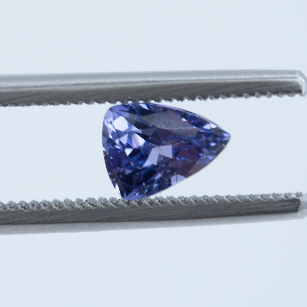 1.25CT MODIFIED TRILLION SRI LANKAN SAPPHIRE, PURPLE, UNHEATED, 7.3X5.5MM