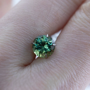 1.40CT ROUND AUSTRALIAN SAPPHIRE, APPLE GREEN, 6.55X4.41MM