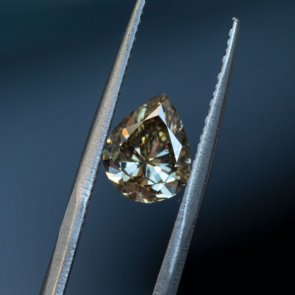 1.47CT PEAR DIAMOND, CHAMPAGNE GREY BROWN, I1, 8.77X7.52MM