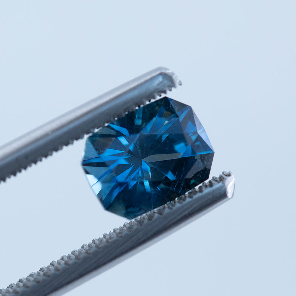 1.55CT RADIANT CUT MONTANA SAPPHIRE, ROYAL BLUE, 7.2X5.5MM
