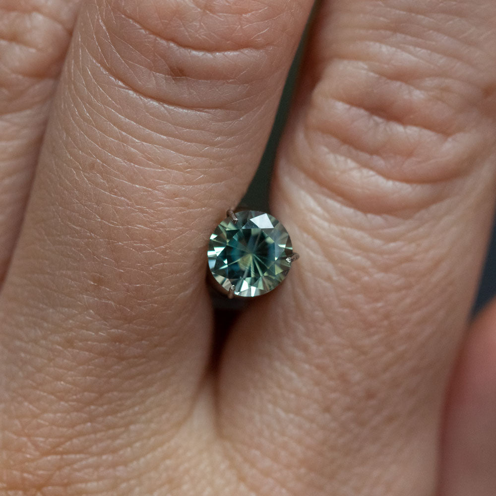 1.61CT ROUND MADAGASCAR SAPPHIRE, PARTI MINT AND OLIVE GREEN WITH LIGHT BLUE, UNHEATED, 6.5MM