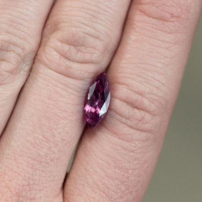 1.68CT MARQUISE SPINEL, VIBRANT PINK RED, UNTREATED, 12.9X9.3MM