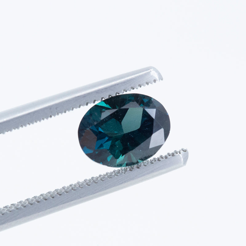 1.73CT OVAL NIGERIAN SAPPHIRE, DEEP VIBRANT TEAL, UNHEATED, 8.17X6.34MM