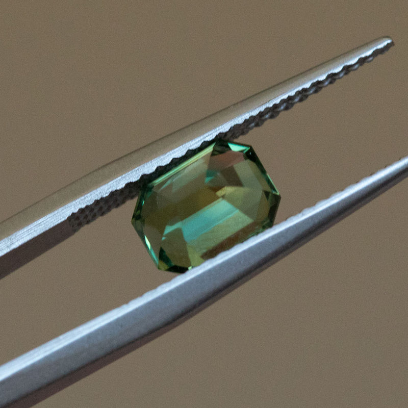 1.73CT EMERALD CUT NIGERIAN SAPPHIRE, GREEN, UNTREATED, 7.14X5.45MM