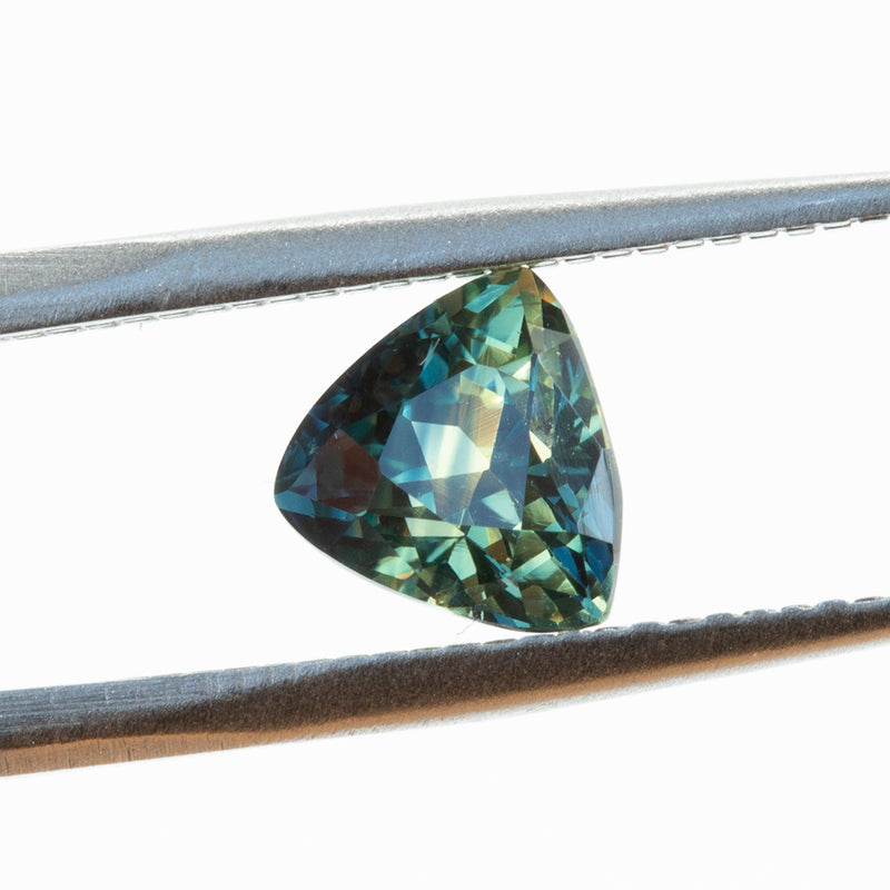1.86CT TRILLION MADAGASCAR SAPPHIRE, PARTI BLUE GREEN YELLOW, 7X6.8MM