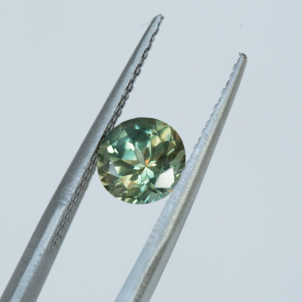 1.86CT ROUND AUSTRALIAN SAPPHIRE, PARTI GREEN YELLOW BLUE, 7.27MM