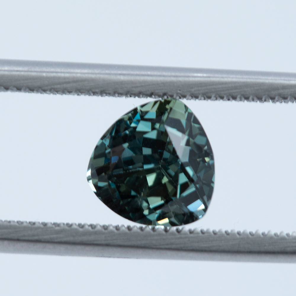 1.95CT TRILLION TANZANIAN SAPPHIRE, COLOR CHANGE GREEN GRAY, UNTREATED, 6.9MM