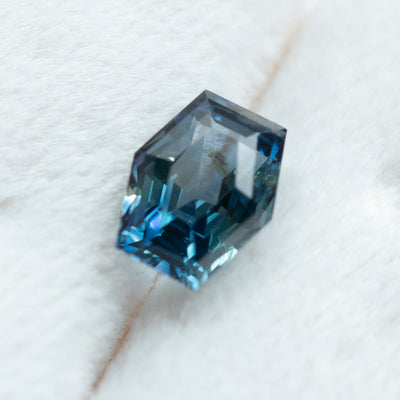 2.05CT HEXAGON MADAGASCAR SAPPHIRE, MULTICOLORED TEAL BLUE GREEN, UNHEATED, 8.3X6.4MM