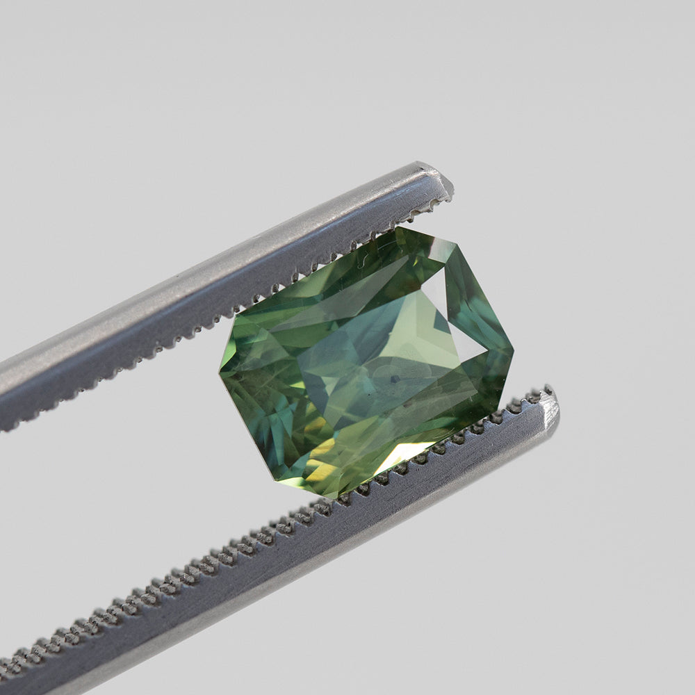 2.55CT RADIANT CUT MADAGASCAR SAPPHIRE, MINTY GREEN, 8.3X6.3MM