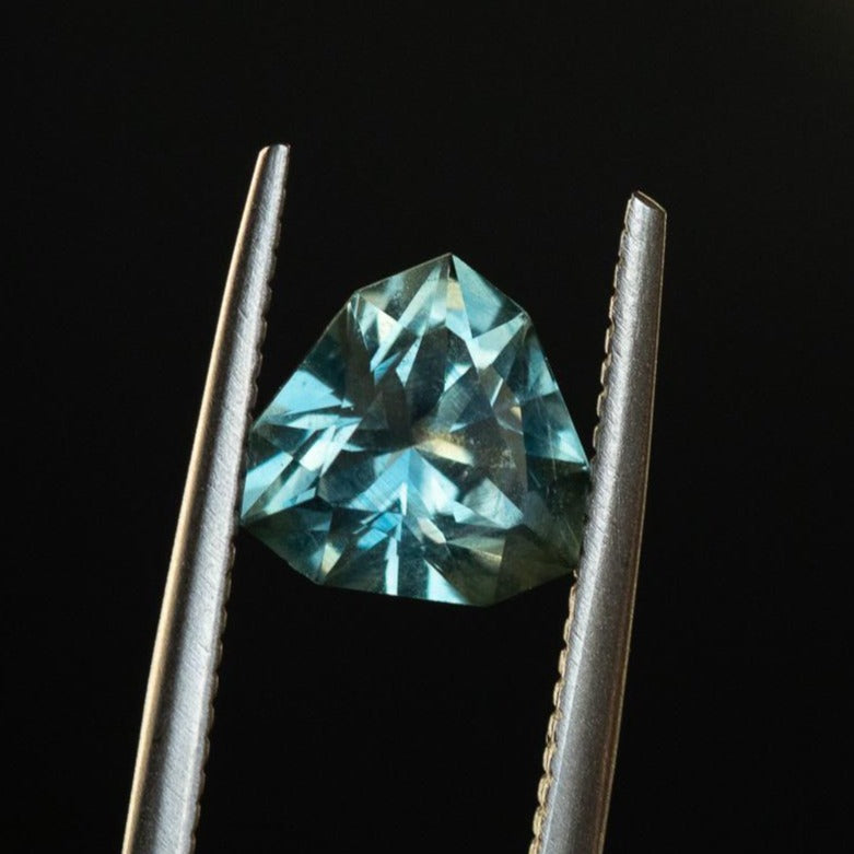 2.62CT GEO TRIANGLE MONTANA SAPPHIRE, GRAYISH BLUE, AGL CERTIFIED, 8.06X7.88MM,