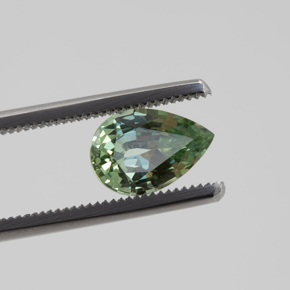 2.63CT PEAR MONTANA SAPPHIRE, MINT GREEN GRAY BLUE, UNHEATED, 10.5X7MM