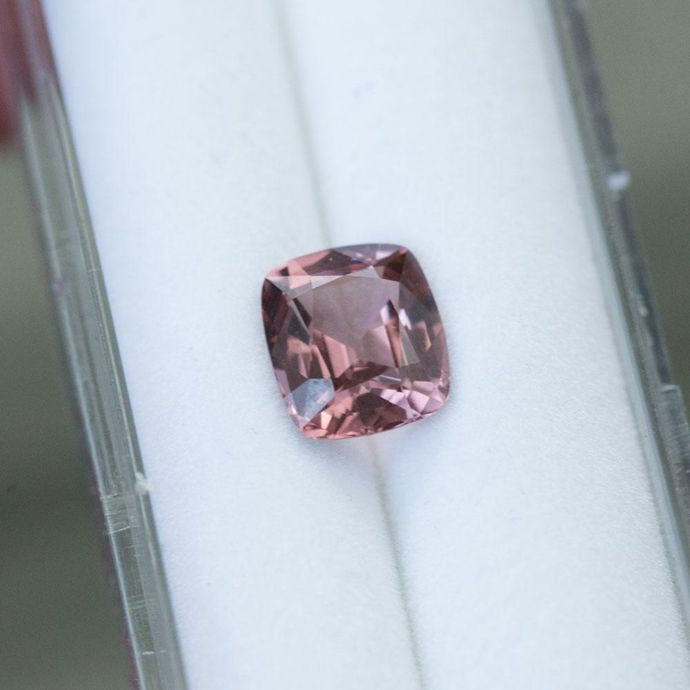 2.67CT CUSHION SPINEL, MAROON RUSTY ROSE, 8.7x7.4MM