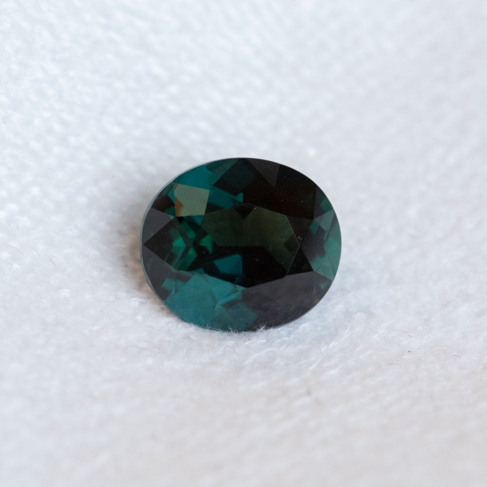 2.69CT OVAL MADAGASCAR SAPPHIRE, DEEP TEAL BLUE, 8.88X7.68MM
