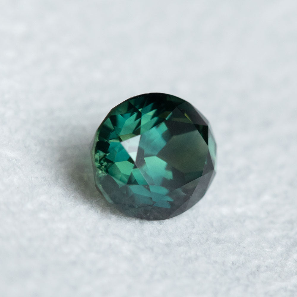 3.39CT OVAL MADAGASCAR SAPPHIRE, DEEP EMERALD GREEN, HEATED, 9.41X7.81X5.78MM