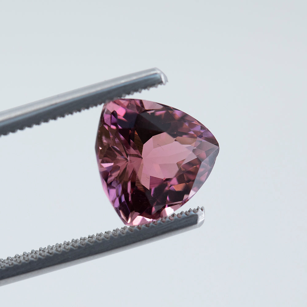 3.59CT TRILLION AFGHAN TOURMALINE, RASPBERRY PINK, UNTREAED, 9.99X9.8MM