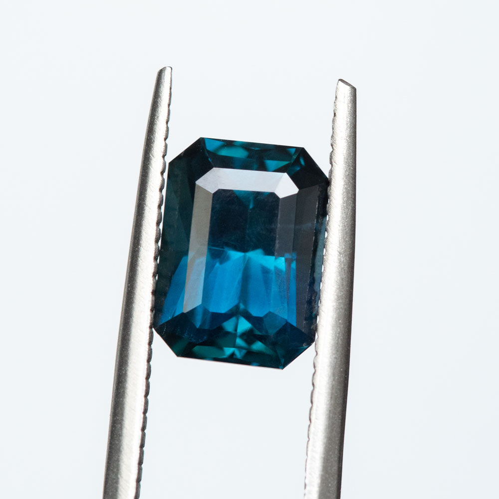 3.64CT RADIANT CUT MADAGASCAR SAPPHIRE, ROYAL BLUE WITH TEAL, 9.87X7.20MM