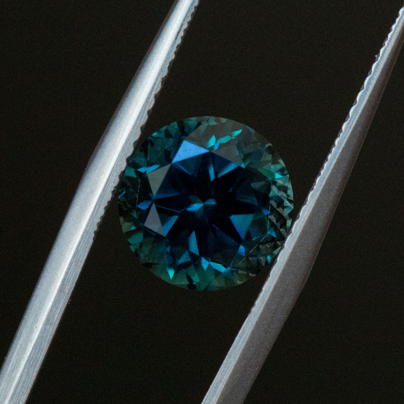 3.72CT ROUND AUSTRALIAN SAPPHIRE, DEEP BLUE WITH TEAL, 8.7X6.5, UNHEATED
