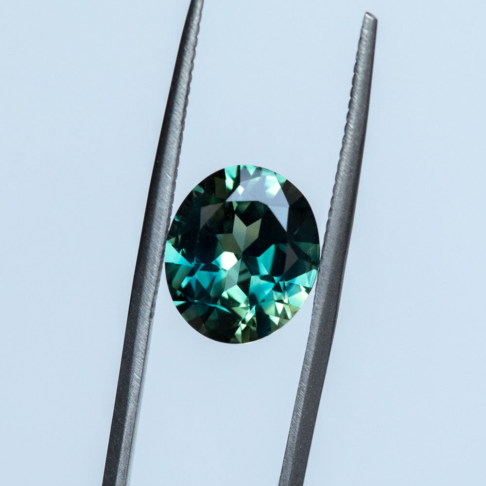4.23CT OVAL AUSTRALIAN SAPPHIRE, PARTI TEAL BLUE GREEN YELLOW, 10.9X9.4X5.3MM