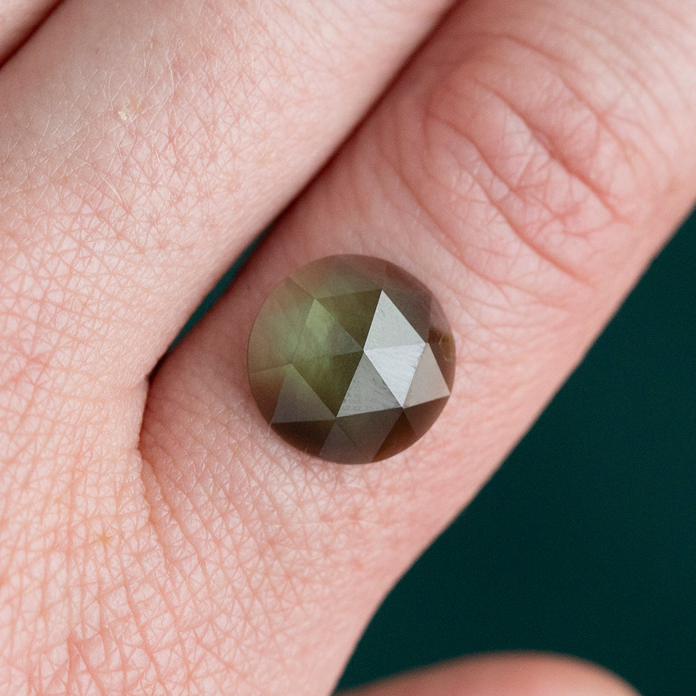 4.44CT ROUND ROSECUT AUSTRALIAN SAPPHIRE, MEDIUM GREEN WITH EARTHY BROWN, 11.20MM