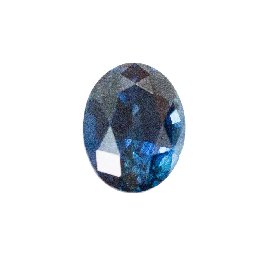 1.57CT OVAL KENYAN SAPPHIRE, DEEP ROYAL BLUE, GREAT CLARITY AND VIBRANT FLASHES, UNHEATED, 7.39X5.77MM