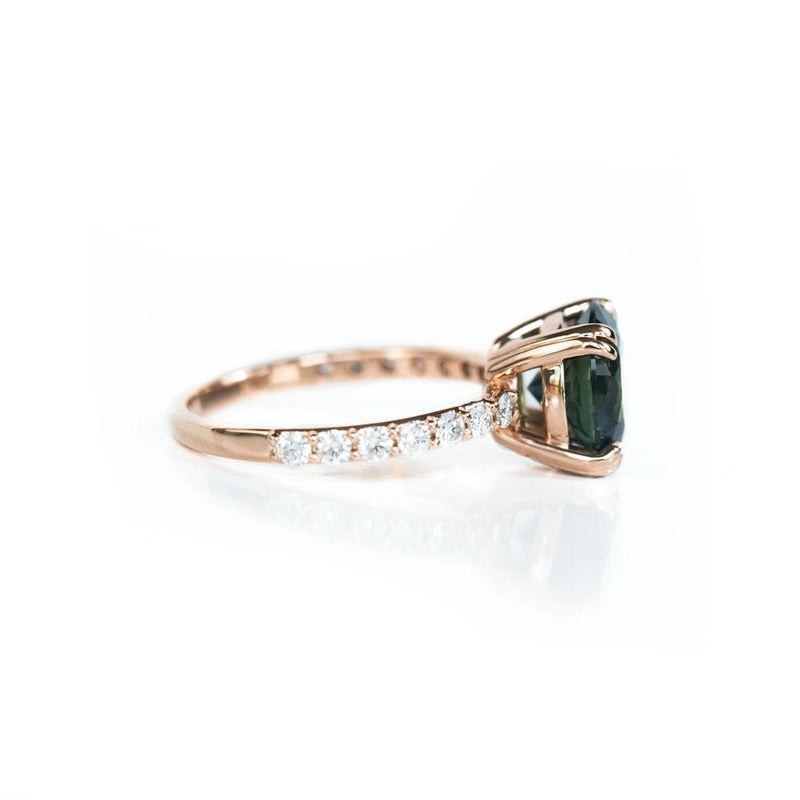 3.53ct Round Green Unheated Sapphire and Diamond-studded ring in 14k Rose Gold