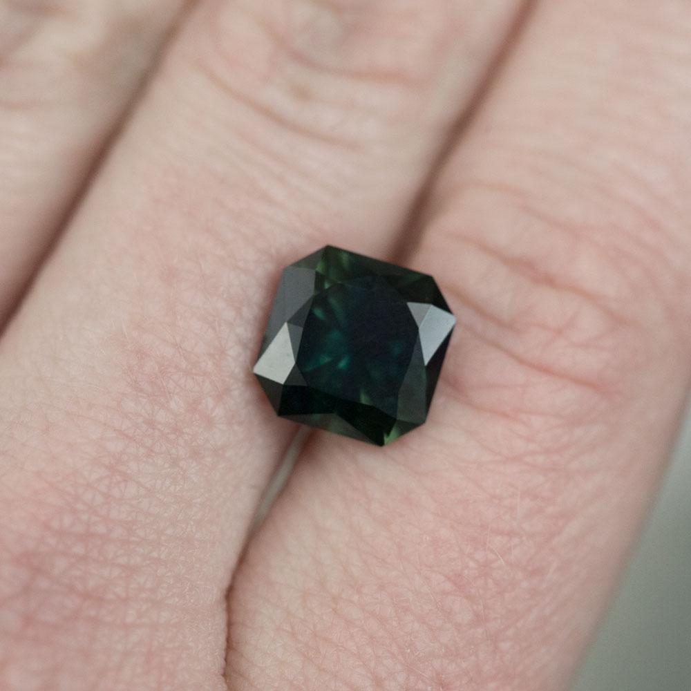 4.6CT SQUARE RADIANT CUT SAPPHIRE, DEEP FOREST GREEN, 9.3MM