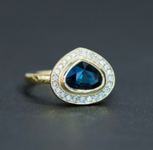 1.64ct Pear Sapphire Halo Ring with Chevron details in 18k Yellow Gold