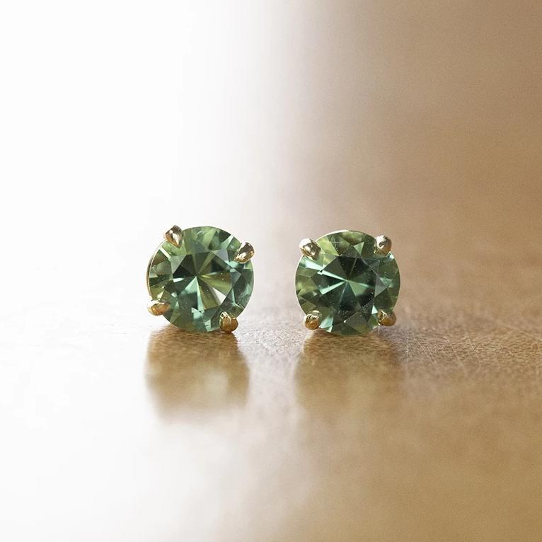 0.85ctw Mint Tourmaline Stud Earrings in Yellow Gold