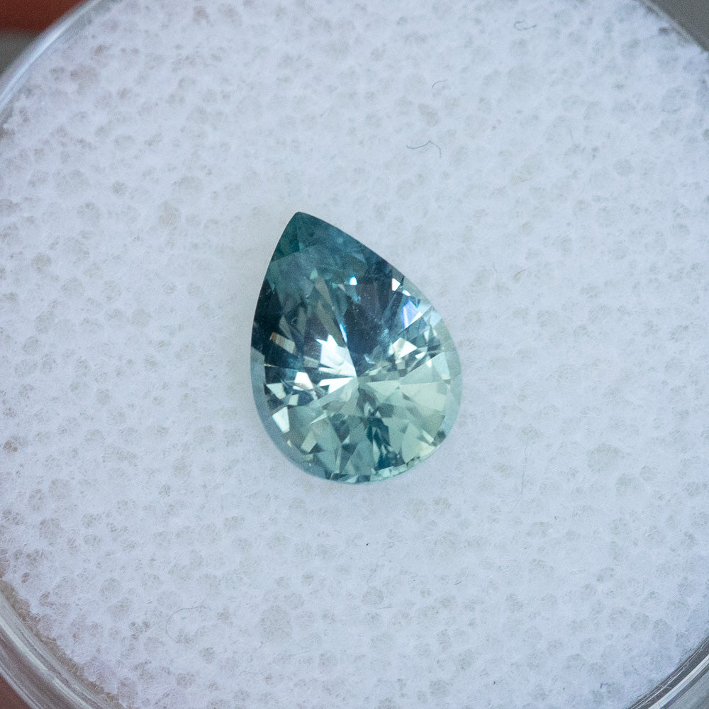 1.67CT PEAR MADAGASCAR SAPPHIRE, MINTY TEAL BLUE GREEN, 8.70X6.36X4.37MM, UNHEATED