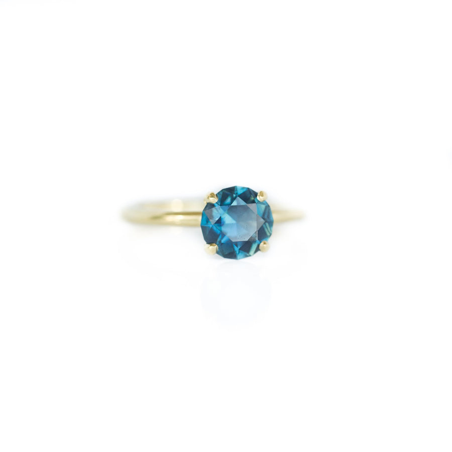 1.87ct Bright Blue Round Solitaire Unheated Sapphire Ring in 18k Yellow Gold