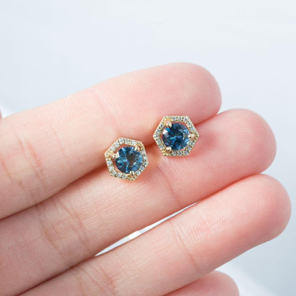 1.06ctw Montana Sapphire Earrings in Yellow Gold Diamond Halo Setting