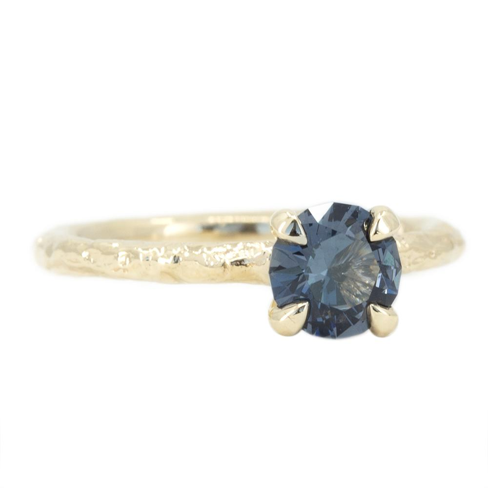0.85ct Round Grey Blue Purple Spinel Evergreen Solitaire in 14k Yellow Gold