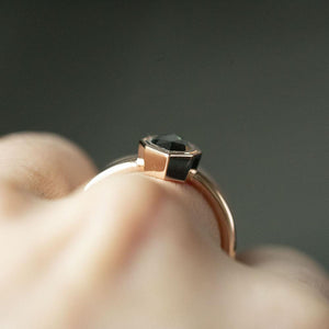 1.06ct Geometric Australian Sapphire Double Bezel Ring in 14k Rose Gold