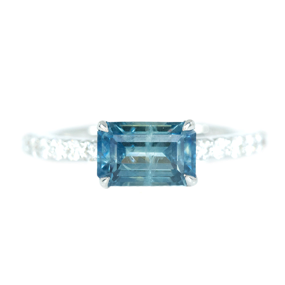 1.76ct Emerald Cut East-West Montana Sapphire and diamonds in White Gold Low Profile