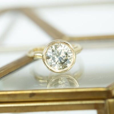 4.01ct Round Diamond Bezel Set with Organic Alluvial Band In 14k Yellow Gold
