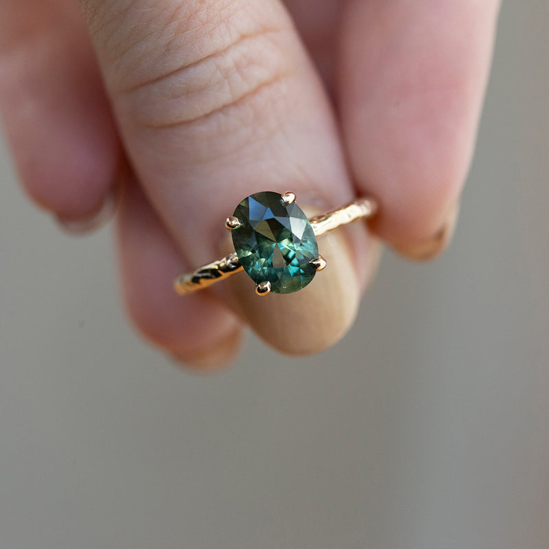 2.60ct Oval Green-Blue Color Shifting Sapphire Low Profile 4 Prong Evergreen Solitaire in 14k Yellow Gold