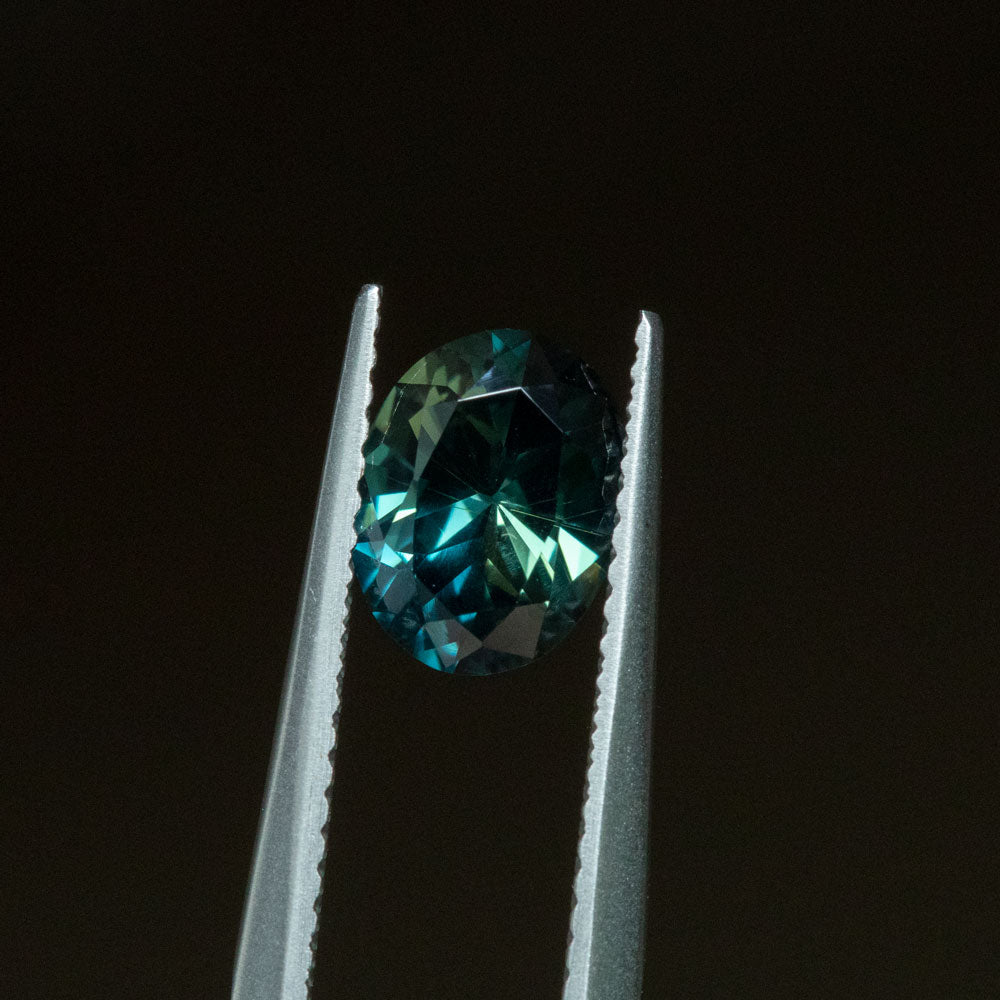 1.62CT  OVAL NIGERIAN SAPPHIRE, DEEP TEAL GREEN BLUE, UNTREATED, 8.06X6.32MM