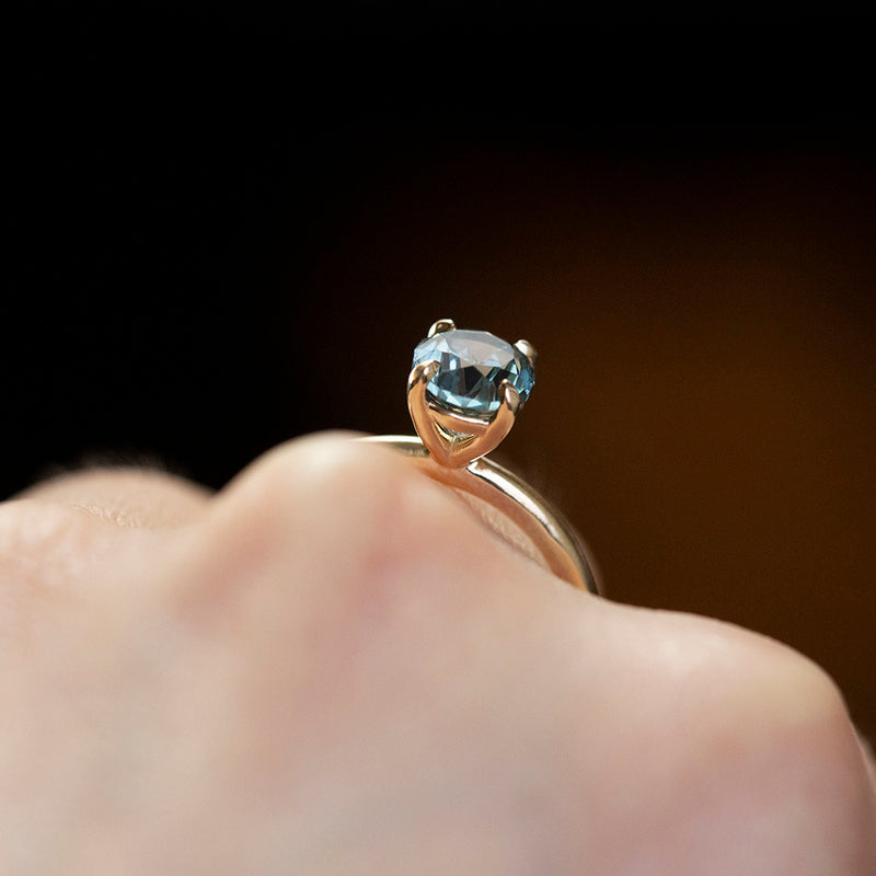 1.64ct Oval Montana Sapphire Solitaire in 14k Yellow Gold