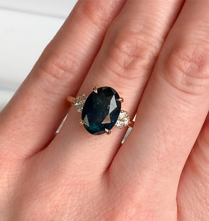 4.41ct Deep Midnight Blue Montana Sapphire and Diamond Evergreen Cluster Ring in 14k Yellow Gold