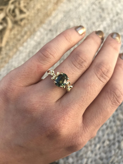 1.75ct Oval Green Blue Sapphire Prong Set Mermaid Solitaire Ring in 18k Yellow Gold