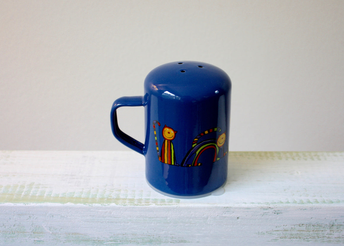 Enamel salt shaker with curved cats(blue) left view | Rainbow Tongue Enamelware