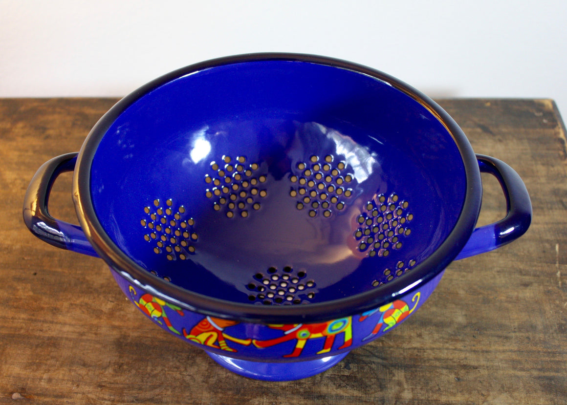 Colander blue * dogs top view | Rainbow Tongue Enamelware