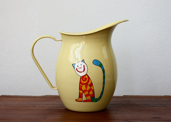 Enamel pitcher 1.2L with cats (yellow) | Rainbow Tongue Enamelware