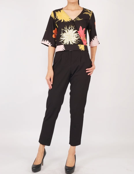 Bo Wrap Front Top (Black Floral)