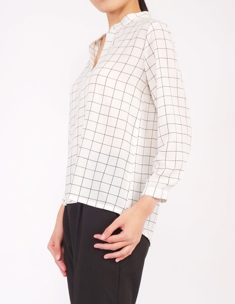 Brenna Split Neckline Top (Windowpane)