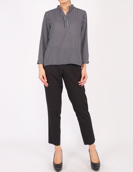 Brenna Split Neckline Top (Checked)