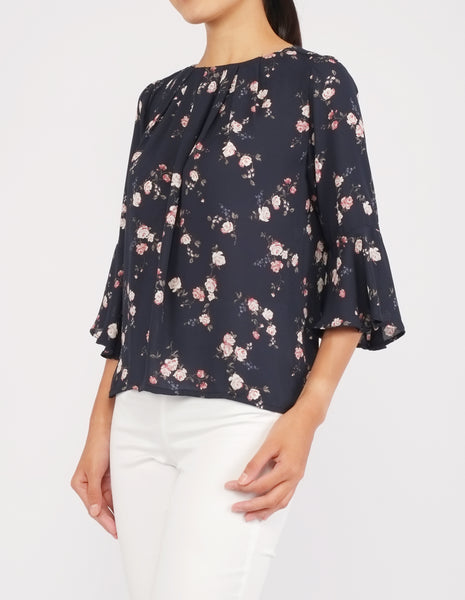 Amica Flounce Sleeves Top (Navy Floral)